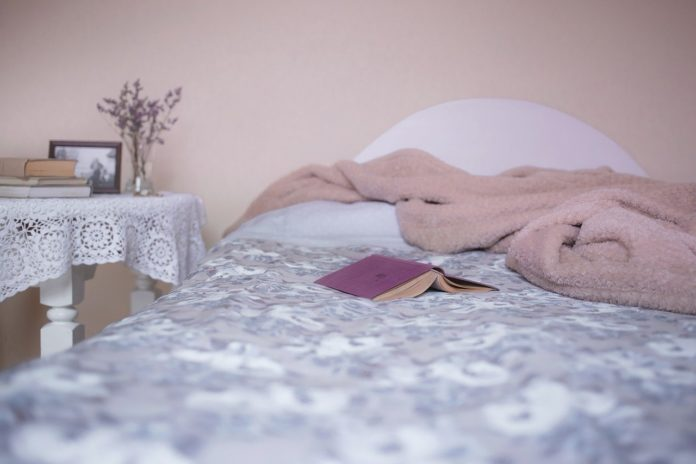 Bed 1626450204